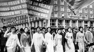 Demo von Auszubildenden gegen Krieg, 1970er Jahre